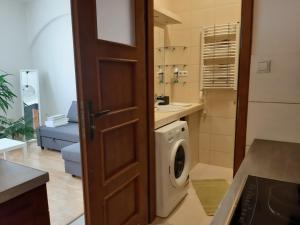 Ένα μπάνιο στο Euro-Room Rooms & Apartments