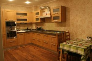Кухня или мини-кухня в Sweet Sleep Hostel