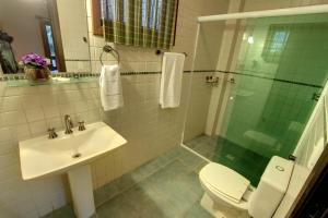 A bathroom at Pousada Ganesh