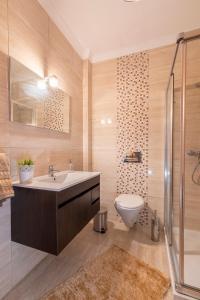 A bathroom at O Veleiro by MP