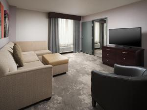 A seating area at DoubleTree by Hilton Chattanooga Downtown