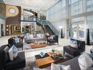 The lobby or reception area at DoubleTree by Hilton Chattanooga Downtown