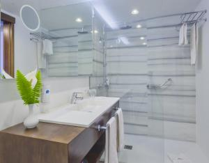 Een badkamer bij Hotel El Tope