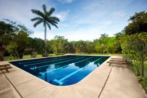 Бассейн в Hotel Hacienda La Pacifica или поблизости