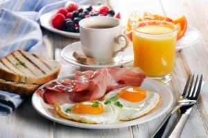 """Breakfast options na available sa mga guest sa """"VICTORIA VILLAGE"""""""