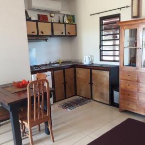A cozinha ou cozinha compacta de Piafau Hills