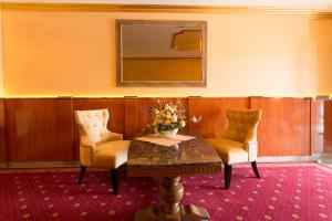 A seating area at Hotel-Restaurant Breitenbacher Hof