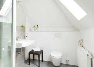 A bathroom at Hotel Feldmann