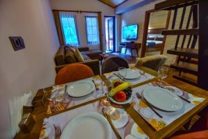 مطعم أو مكان آخر لتناول الطعام في VADİ UZUNGÖL