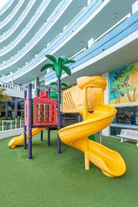 Aire de jeux pour enfants de l'établissement Mediterranean Palace