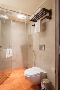 A bathroom at Hotel Thamel House