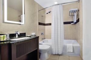 A bathroom at The Palmer House Hilton