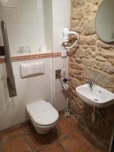 A bathroom at Pensión Rustica Alemana