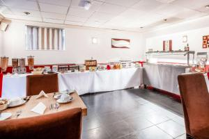 A restaurant or other place to eat at Comfort Hotel Great Yarmouth
