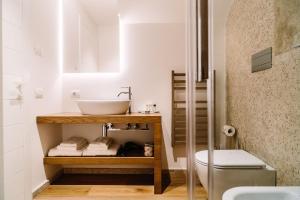 A bathroom at NUMA HOTEL