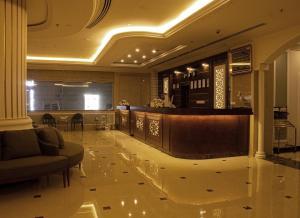 O saguão ou recepção de Rona Al Khobar Hotel