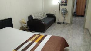 Кровать или кровати в номере Druzhba Narodov 5