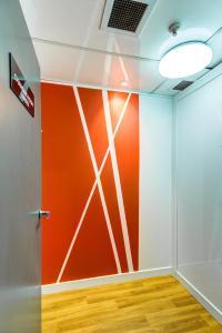 A bathroom at Ascotia Off Queen