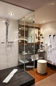 A bathroom at Flemings Hotel Frankfurt Main-Riverside