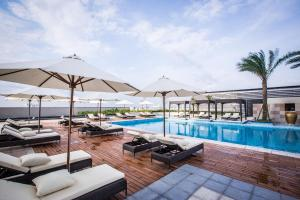 The swimming pool at or close to Vinpearl Hotel Can Tho