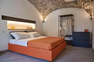 A bed or beds in a room at Style Home