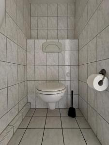A bathroom at Restaurant und Pension Akropolis