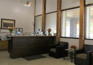 The lobby or reception area at Idaho Inn