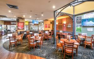 A restaurant or other place to eat at Nightcap at Exeter Hotel