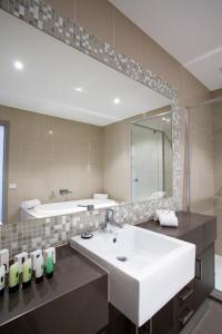 A bathroom at Quest Glen Waverley