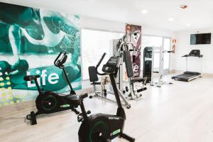 Het fitnesscentrum en/of fitnessfaciliteiten van Hotel Servigroup La Zenia