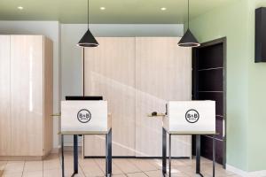A bathroom at B&B Hotel Torino
