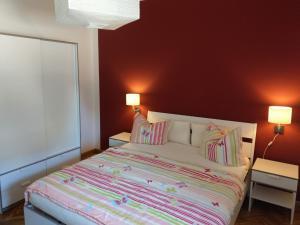 Ein Bett oder Betten in einem Zimmer der Unterkunft Storchennest an der Spree in Radinkendorf