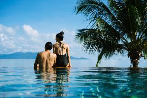 Der Swimmingpool an oder in der Nähe von Anantara Bophut Koh Samui Resort - SHA Plus