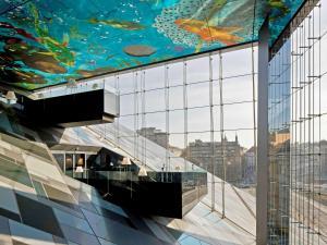 Una televisión o centro de entretenimiento en SO/ Vienna