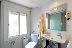 A bathroom at Bonanova Park