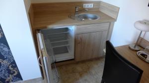 Küche/Küchenzeile in der Unterkunft ST Michael Atrona GmbH