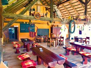 Reštaurácia alebo iné gastronomické zariadenie v ubytovaní Penzion In Lux