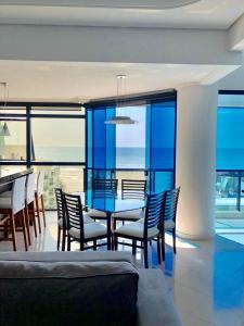 A balcony or terrace at Lindo AP MP Vista Total Mar