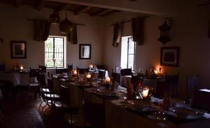 Restaurant ou autre lieu de restauration dans l'établissement Auberge Chez Pierre