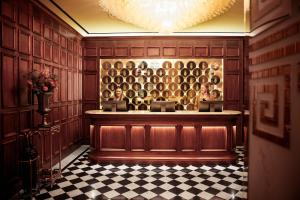 Hall o reception di Bank Hotel, a Member of Small Luxury Hotels