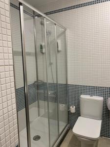 A bathroom at Hotel Castillo El Burgo