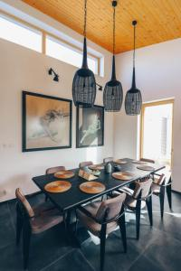 Reštaurácia alebo iné gastronomické zariadenie v ubytovaní Stylish apartments at Penati Golf Resort