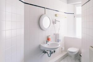 A bathroom at St Christopher's Apartments