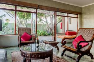 A seating area at Singa Lodge - Lion Roars Hotels & Lodges