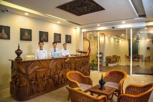 The lobby or reception area at Royal Bagan Hotel