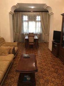 Uma área de estar em Sahil Boulevard Apartament