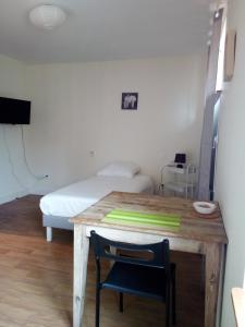 Un ou plusieurs lits dans un hébergement de l'établissement Résidence La Providence ZENAO Lisieux