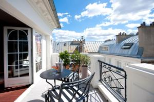 A balcony or terrace at L'Hôtel