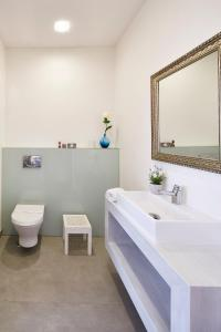 A bathroom at Hotel Parque das Laranjeiras