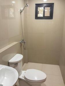 A bathroom at Inngo Tourist Inn